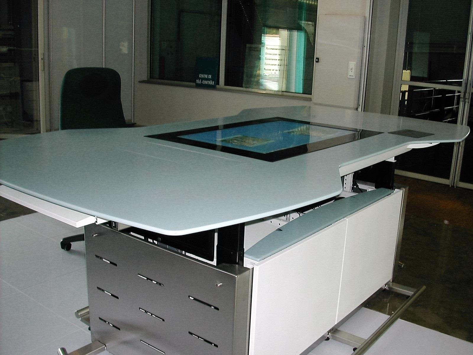 Table DSCN6077-